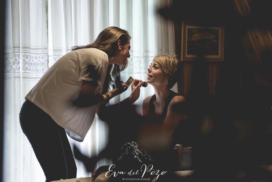 Preparativos de la novia, maquillaje